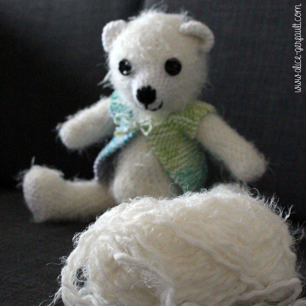 Nounours amugurumi avec laine Boudoir de La Pelote Parisienne, crochet par Alice Gerfault