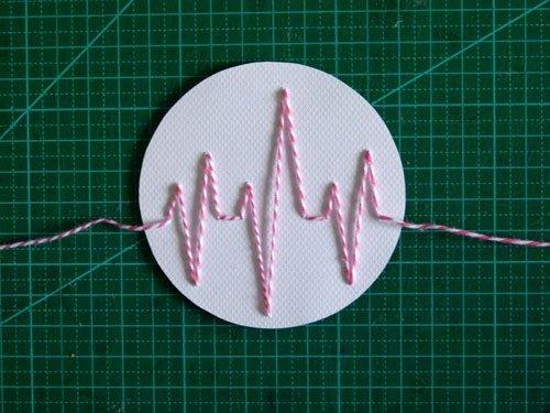 Réalisation carte saint valentin electrocardiogramme,carterie par Alice Gerfault