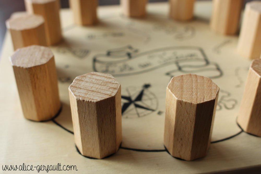 customiser une bo te en bois pour le jeu l 39 le au tr sor diy par a gerfault. Black Bedroom Furniture Sets. Home Design Ideas