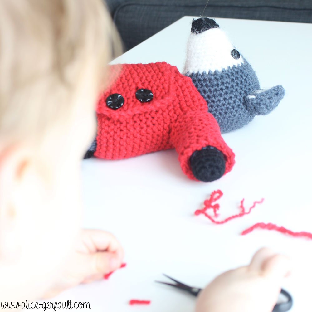 Pull kimono au tricot pour Loup Amigurumi, DIY par Alice Gerfault