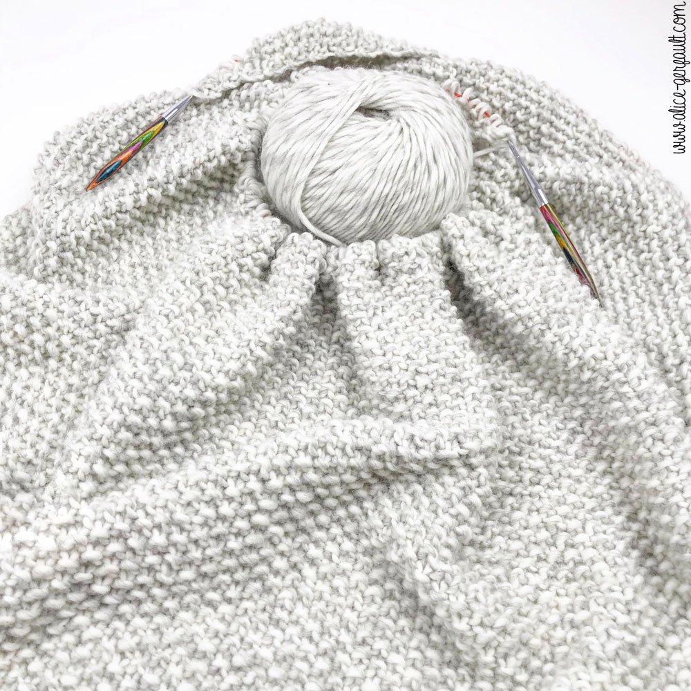 Echarpe triangulaire au point de riz, Tricot par Alice Gerfault