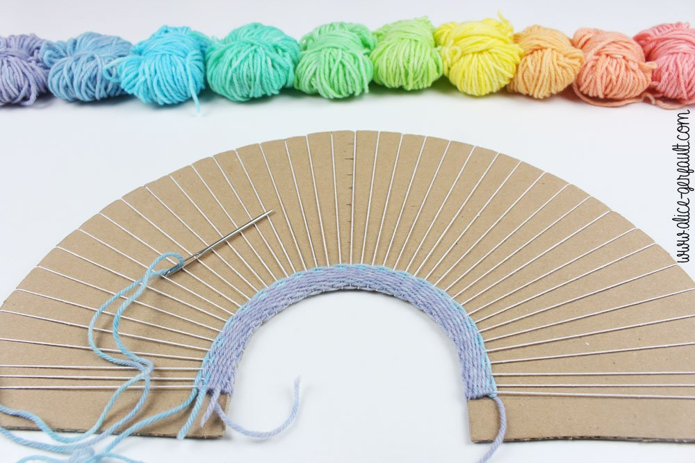 Tissage arc-en-ciel, DIY by Alice Gerfault