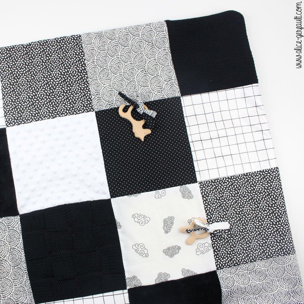 Tapis d'éveil sensoriel Montessori, DIY par Alice Gerfault
