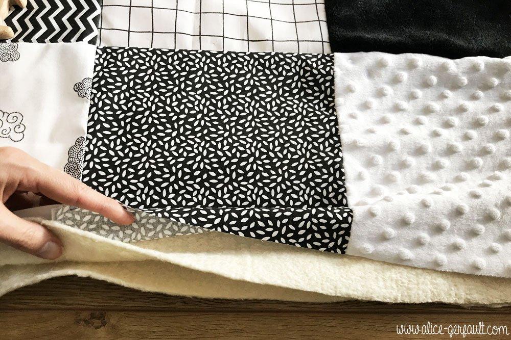 Molleton pour Tapis d'éveil sensoriel Montessori, DIY par Alice Gerfault