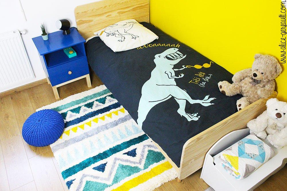 Chambre d'enfant décorée avec un tapis au point noué, DIY par Alice Gerfault