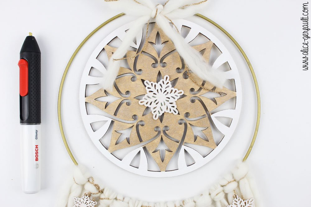Couronne de Noël Boho, Collage d'un flocon , DIY par Alice Gerfault