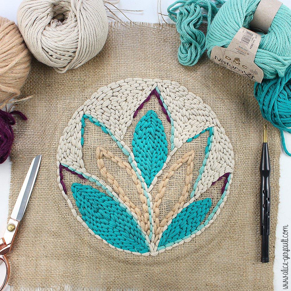 Pochette Succulente en punch needle, DIY par Alice Gerfault