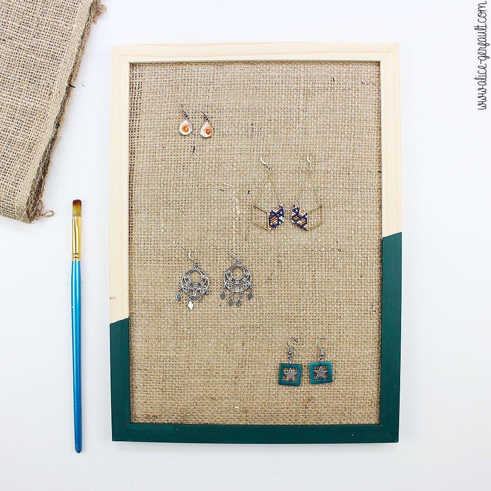 Tuto Cadre pour boucles d'oreilles pour cadeau de fête des mères, DIY par Alice Gerfault