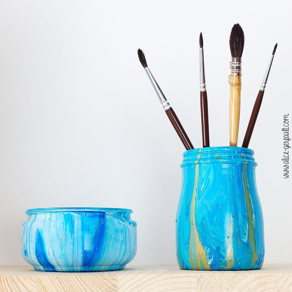 J'ai testé l'acrylic pouring pour customiser des pots en verre, DIY par Alice Gerfault