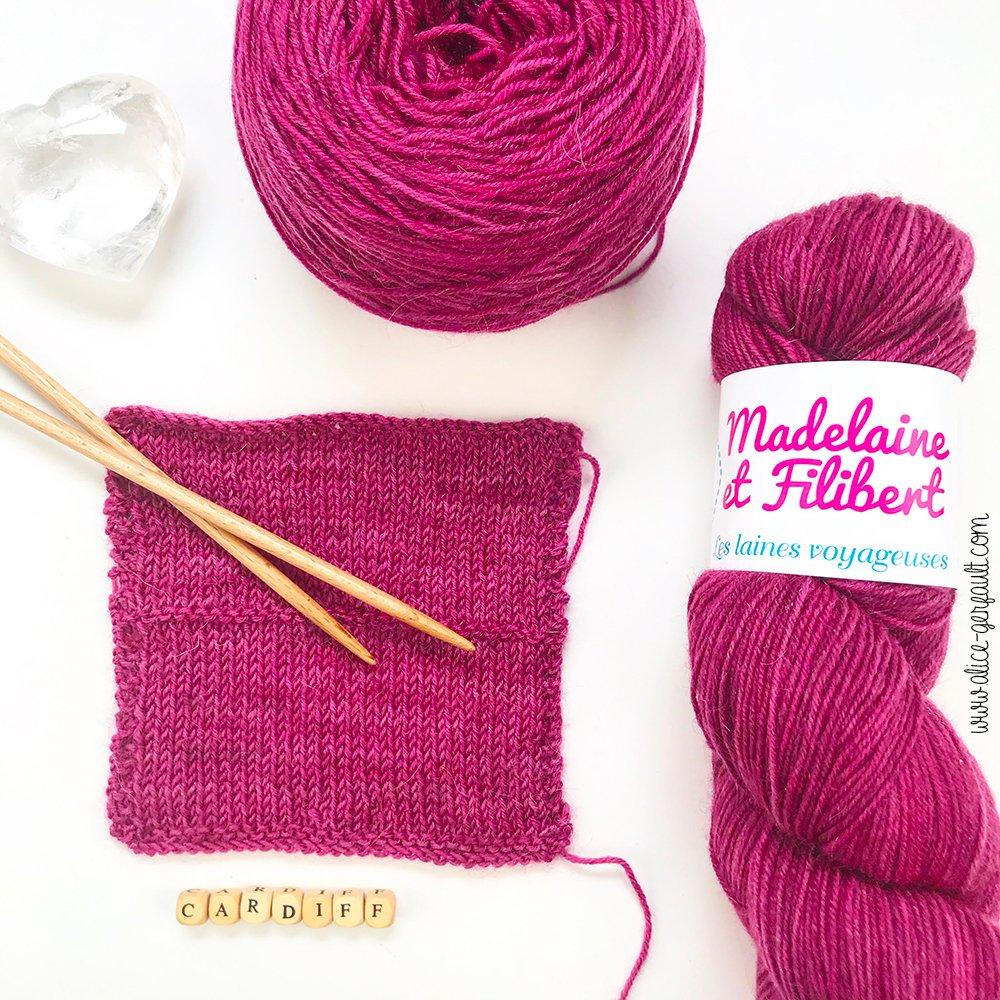 Echantillon pour le Pull Lady Downtown de Triple L de Mag, tricot par Alice Gerfault